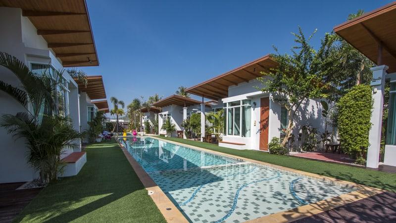 T-raya pool hotel pranburi