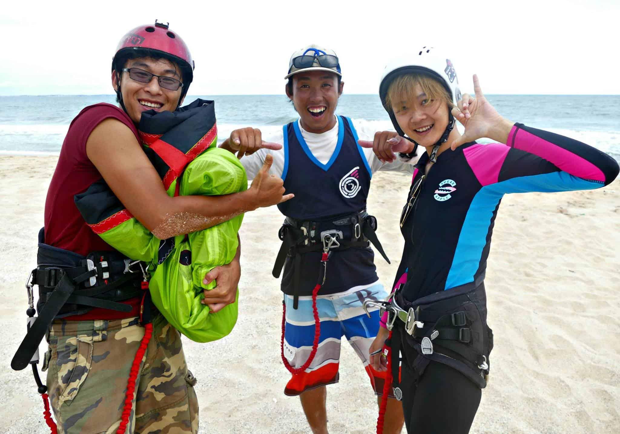 Kitesurfing students in Mui Ne
