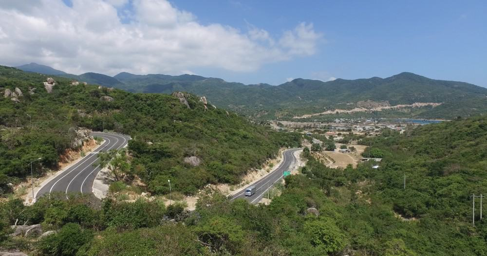 Winding mountain roads in Phan Rang, Vietnam