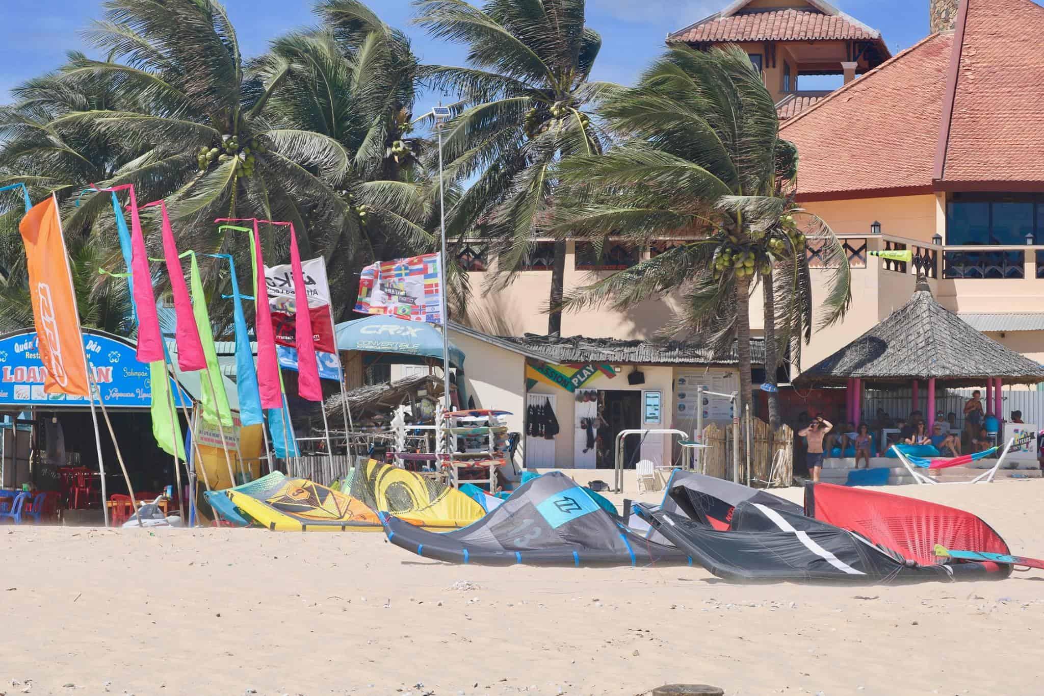 C2Sky kite center - a Mui ne kitesurfing school