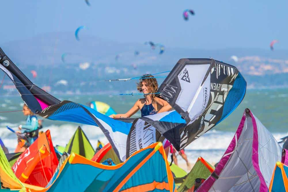 Landing a kite on the Mui Ne kitesurfing beach