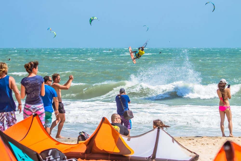 kitesurfing at Mui ne beach