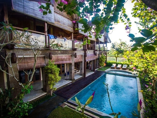 Pool and rooms at Stormrider Surf Camp in Bali